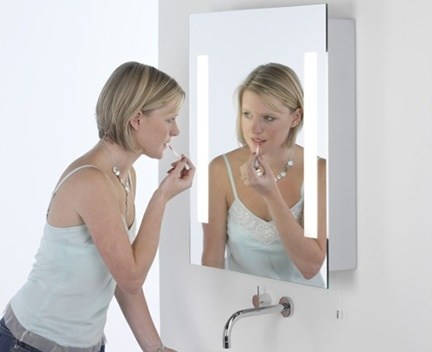 Koupelnové podsvícené zrcadlo Livorno | vnitřní zásuvka |  600 x 700 mm